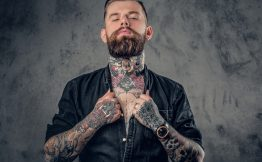 Tatouage bras complet homme
