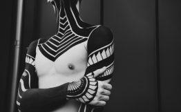 Tatouage homme bras entier noir et blanc