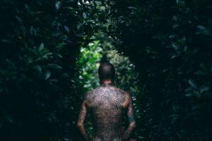Tatouage homme bras dos