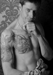 Tatouage homme bras pectoraux